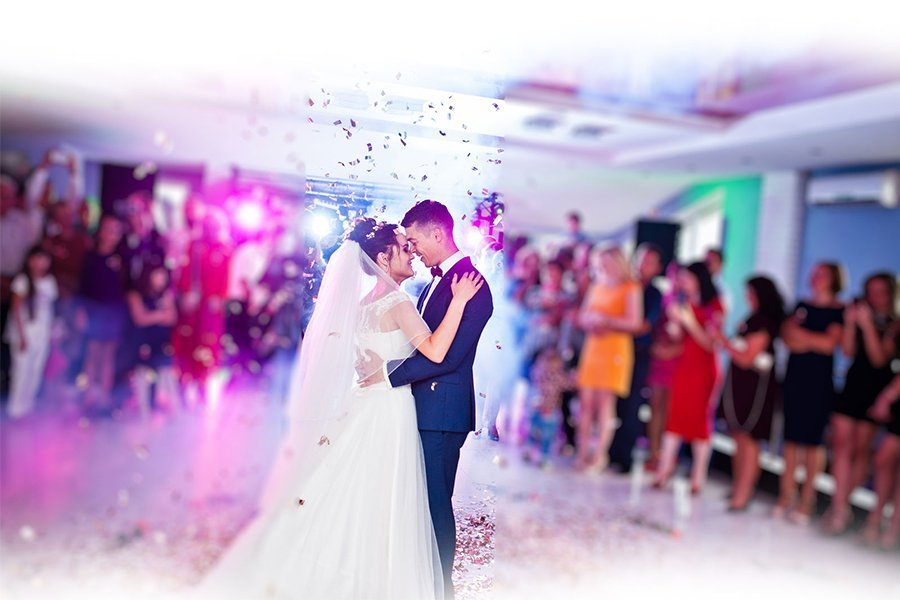 How to Choose Your First Dance Wedding Song